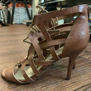 Unisa strappy high heel size 9